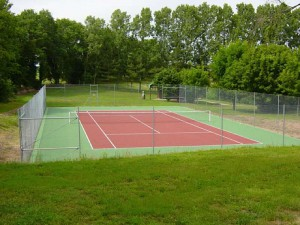 Tennis court at Camping Les Ecossais